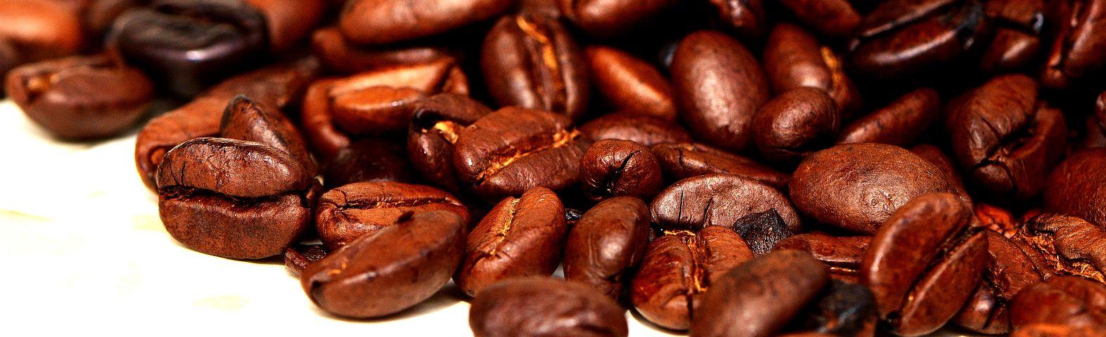 Coffee-rubbed Salmon with Mango Relish